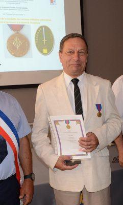 Le Commandant BAUDRIN avec sa Médaille du Service Militaire Volontaire